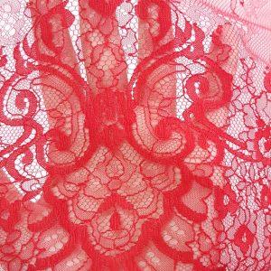 Dantela tip Chantilly rosu sange
