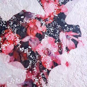 Broderie sparta cu model floral neuniform