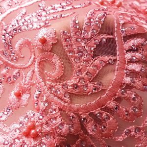 Broderie accesorizata cu margele - roz-11104