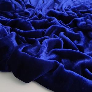 Catifea albastra matase naturala 100%