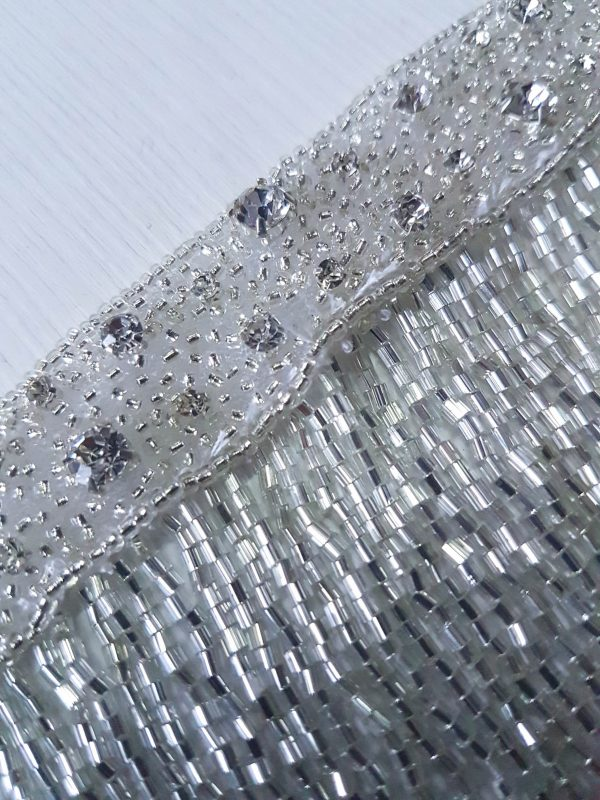 Bordura argintie cu franjuri