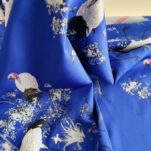 Brocard albastru cu berze