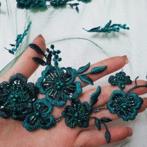 Broderie accesorizata, din bumbac, verde smarald si verde padure