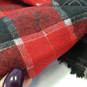 Stofa din lana in carouri rosii cu insertii de lurex