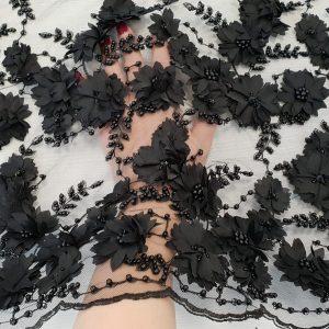 Broderie neagra cu flori 3D