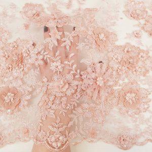 Broderie cu flori peach 3D