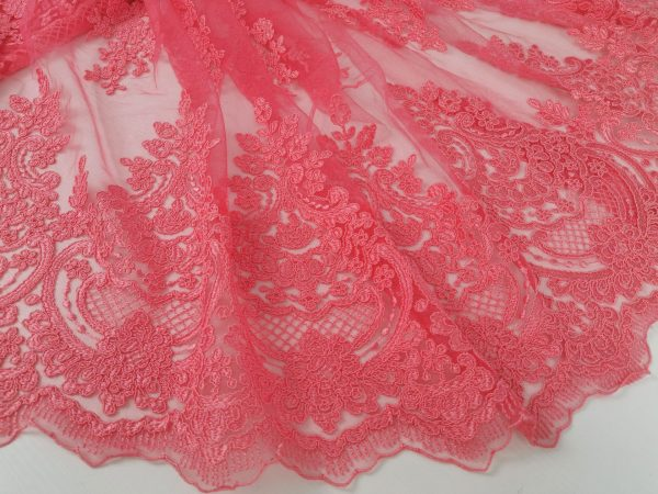 Dantela roz corai cu aspect siretat