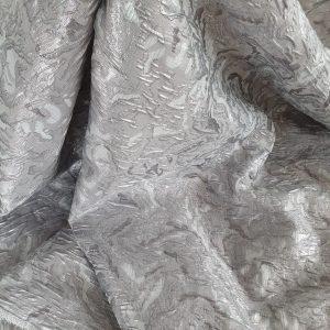 Brocard gofrat argintiu