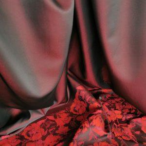Brocard rosu & burgundy cu flori