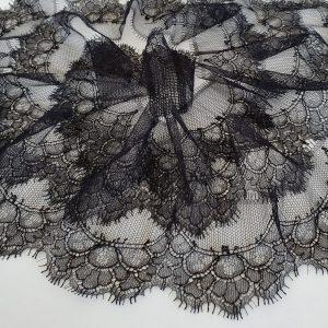 Bordura neagra din dantela Sophie Hallette