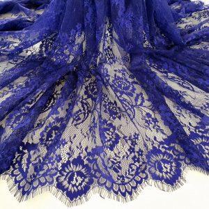 Dantela tip Chantilly albastru indigo