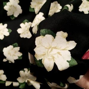 Lana imprimata cu flori AM11