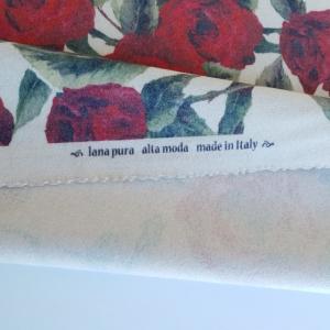 Lana imprimata cu trandafiri