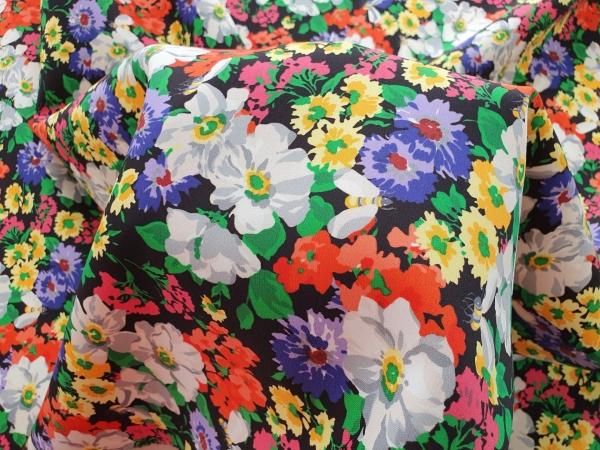 GUC505 Crep din lana cu motive florale