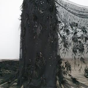 Broderie neagra cu siraguri de margele