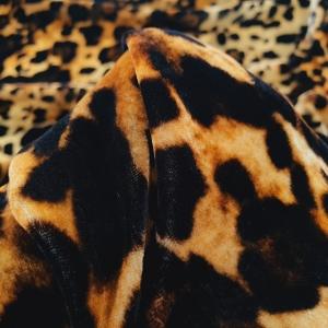AM26 Catifea matase naturala Animal Print
